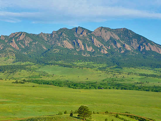 Sweeping views of the Front Range on the South Boulder Creek Trail